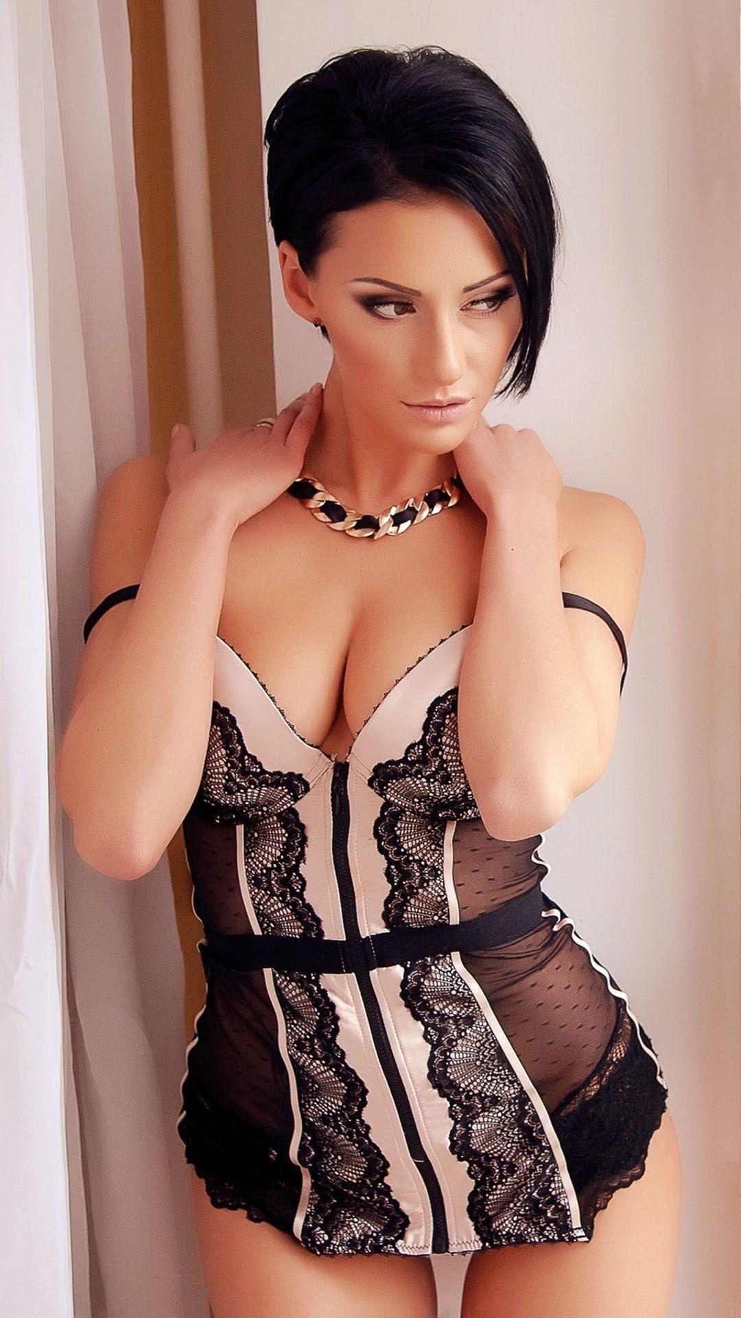 Short big tits lingerie — pic 5