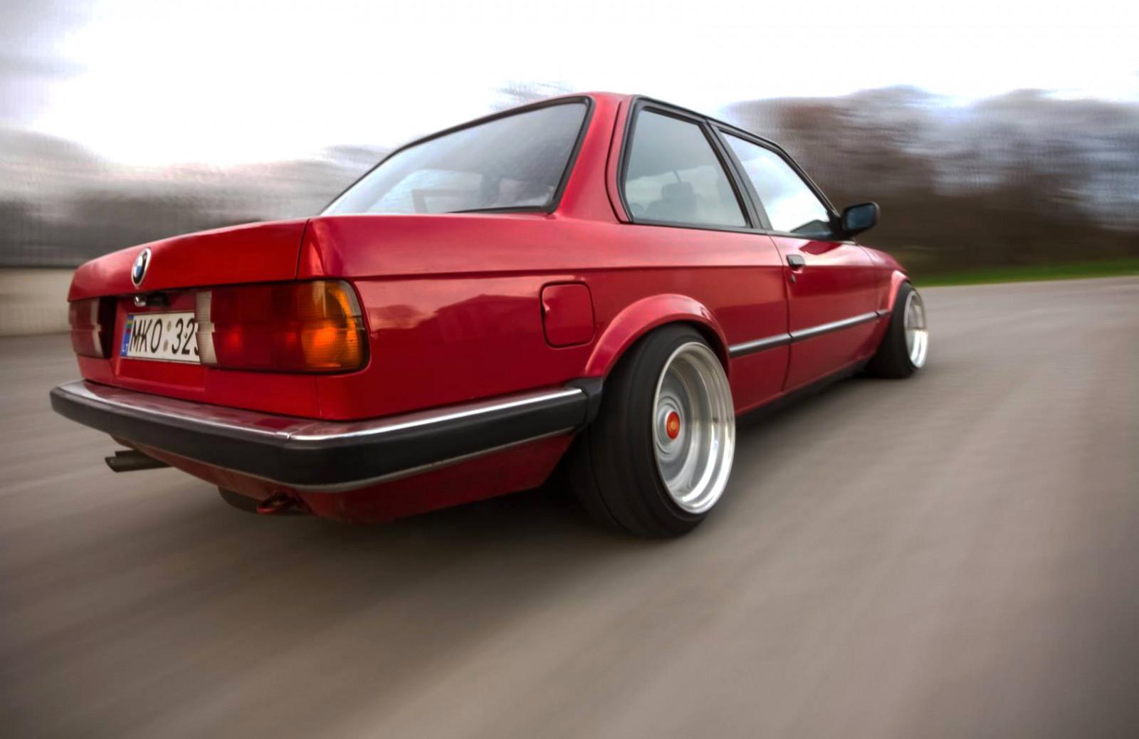 fond d 39 cran v hicule vieille voiture voitures rouges voitures musculaires plus l ger. Black Bedroom Furniture Sets. Home Design Ideas