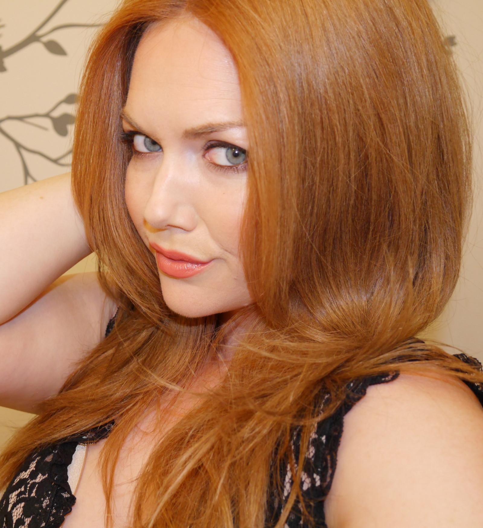 Wallpaper  face, women, redhead, long hair, looking at