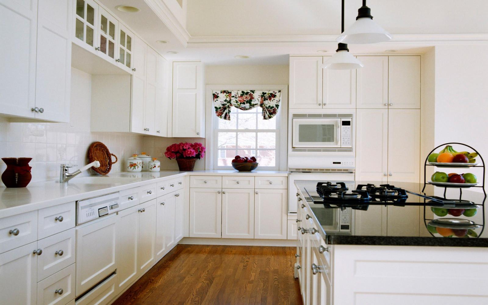 Фото дизайна кухни в белом стиле