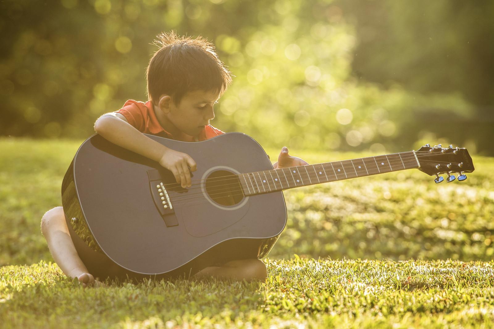 Wallpaper Sunlight Portrait Nature Grass Musical Instrument Yellow Nikon Bokeh Warm Family Play Light Tree 70200 Boy Child Kids Plant