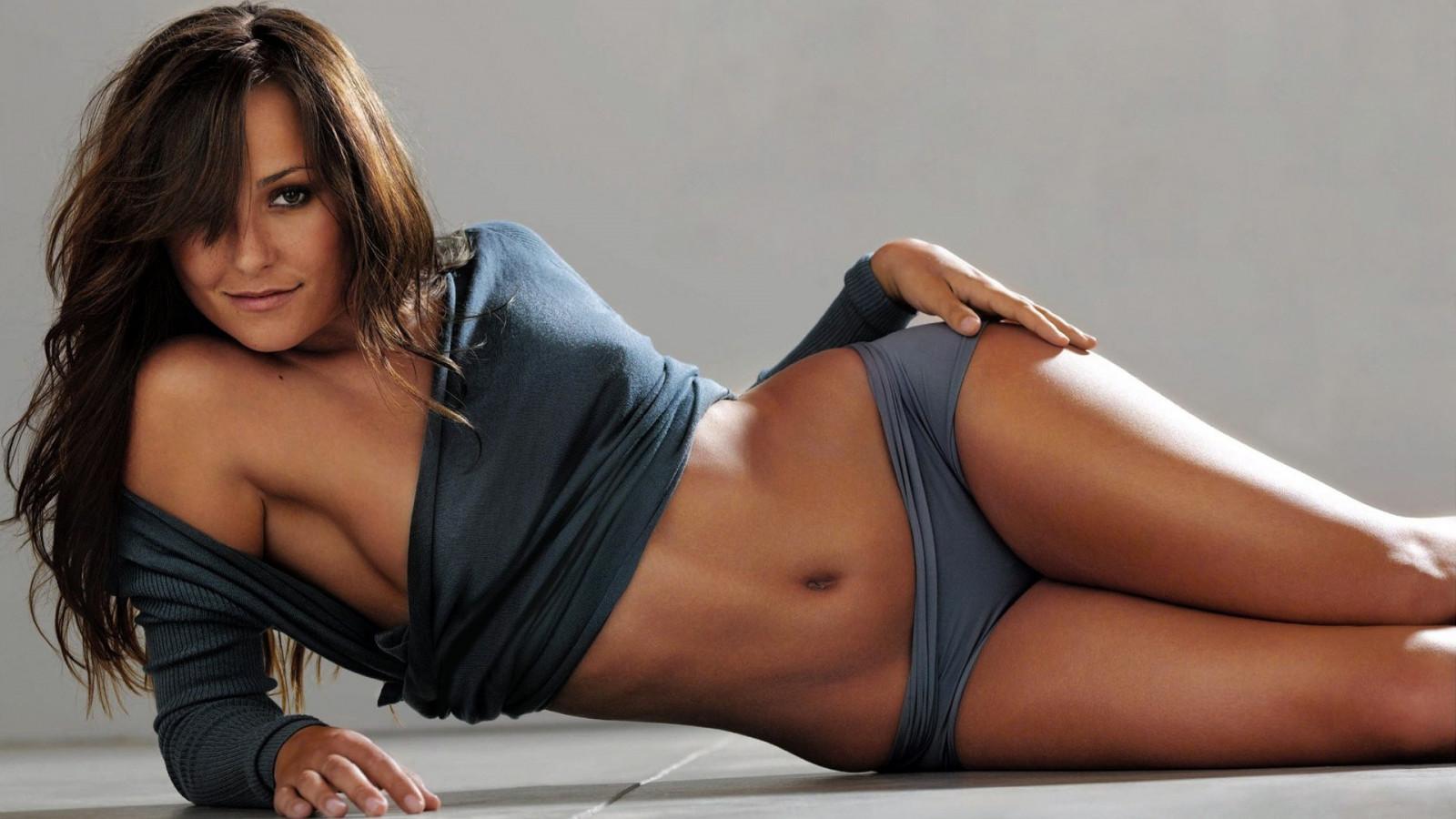 hot-cincinnati-girls-brigid-brannagh-sexy-nude