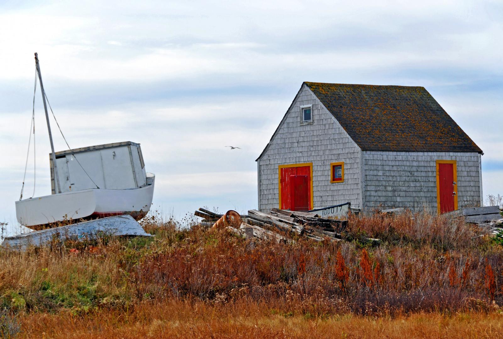 Fond d\'écran : bateau, bâtiment, rouge, herbe, ciel, bois, maison ...