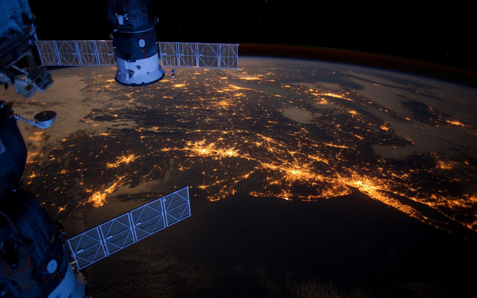Когда спутник делает фото