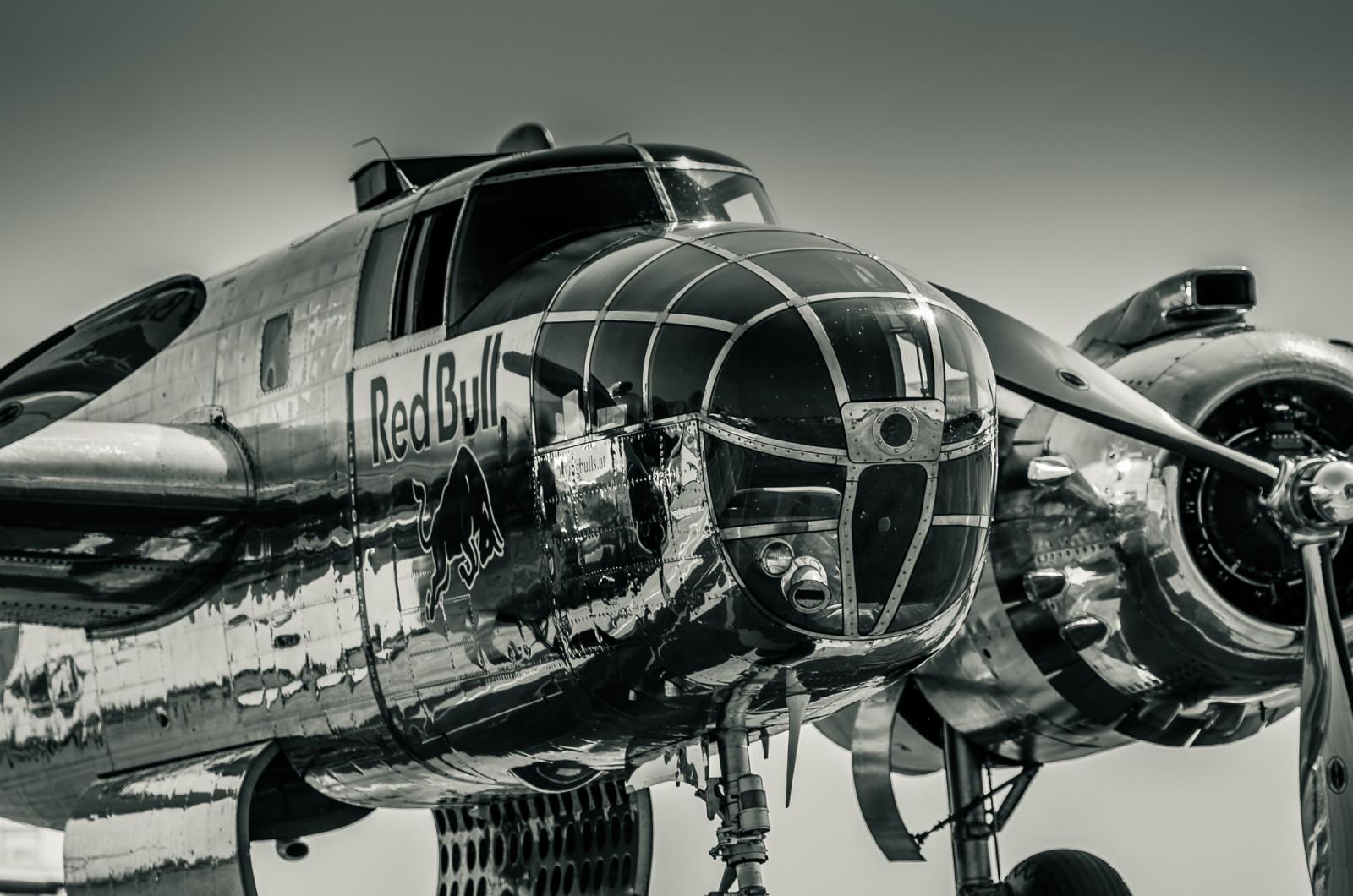 fond d 39 cran noir et blanc r flexion histoire avion noir blanc brillant aviation ww2 l. Black Bedroom Furniture Sets. Home Design Ideas