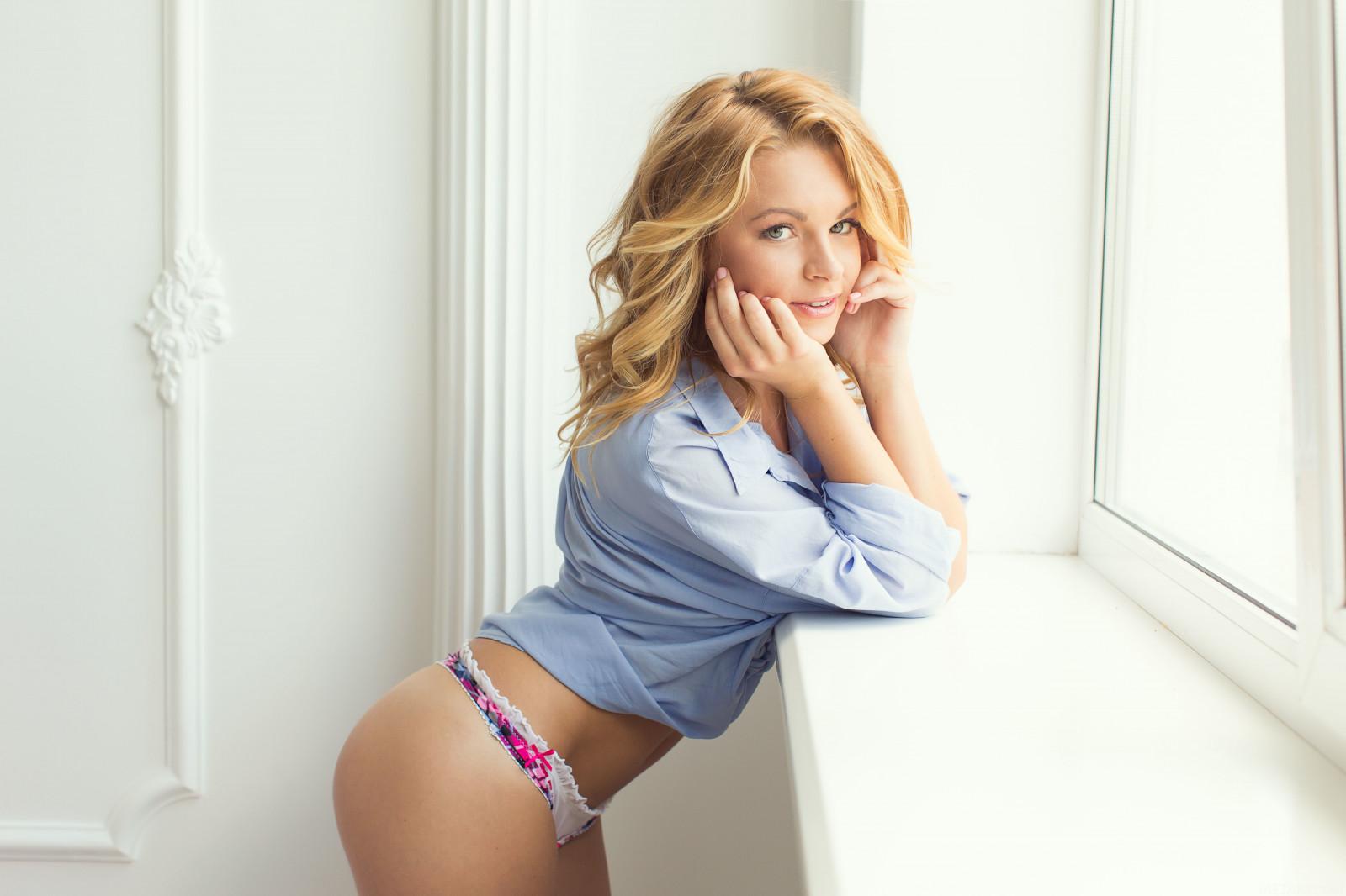 wallpaper : women, model, portrait, blonde, window, long hair, ass