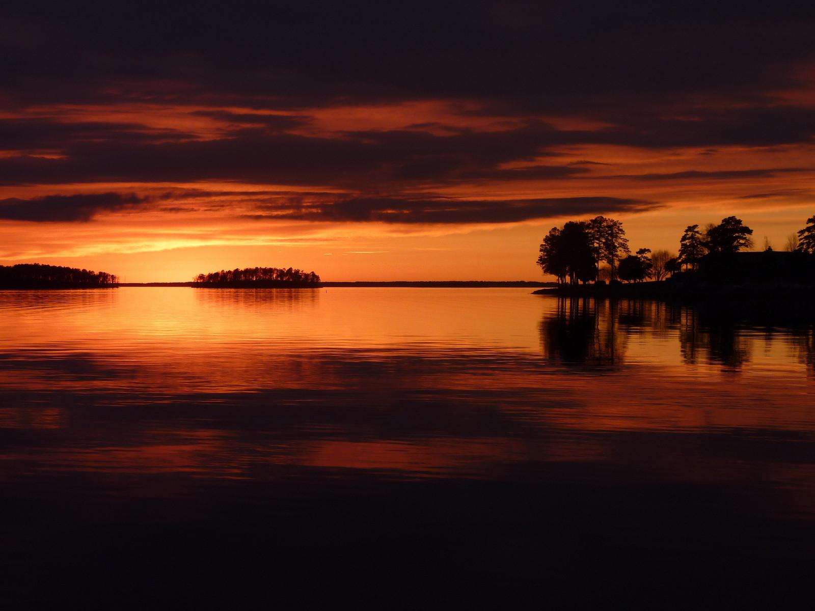 настоящий домосед найти фотографии озер на закате герой один