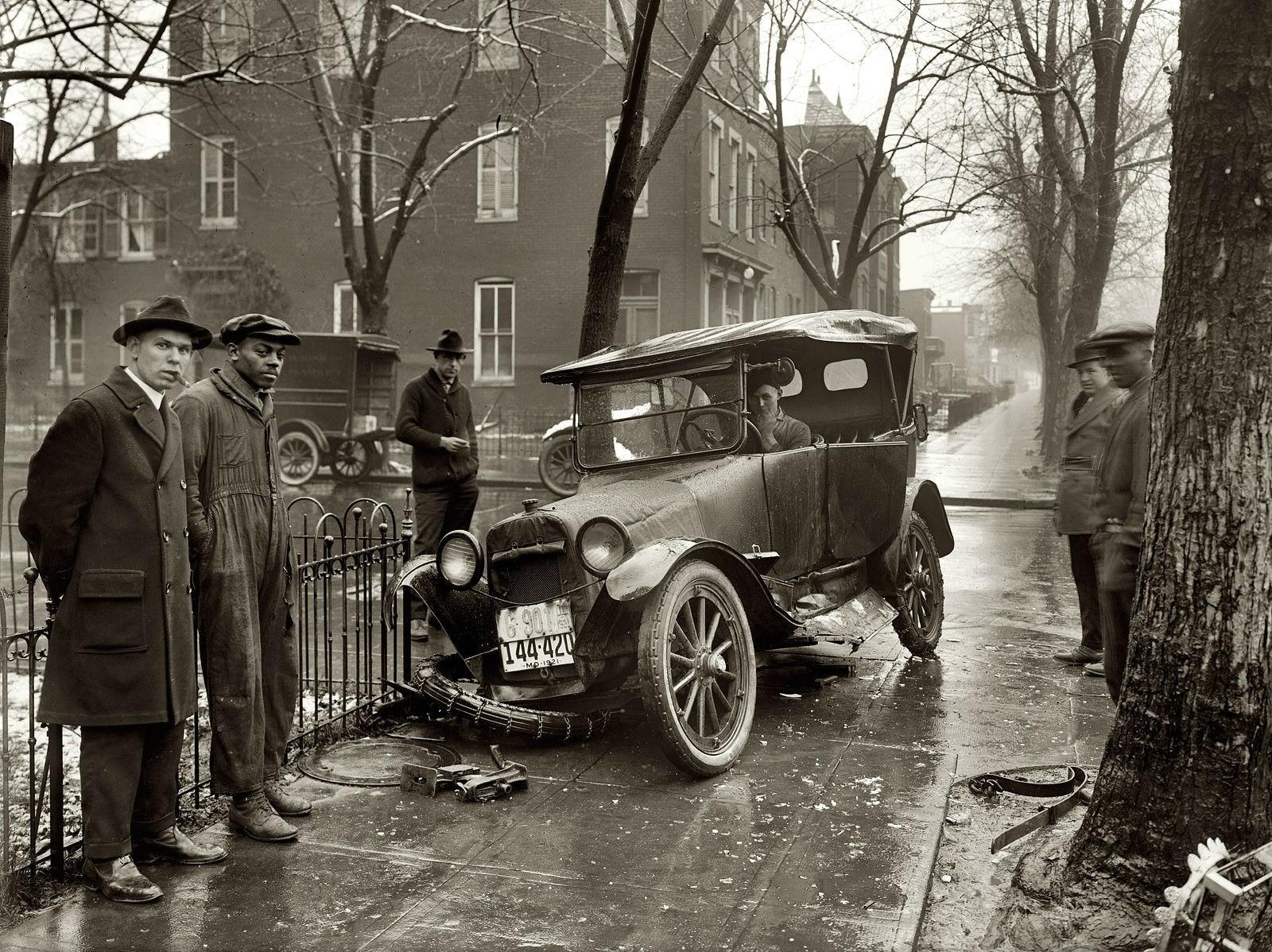 Wallpaper : street, vehicle, road, crash, transport, Vintage car ...
