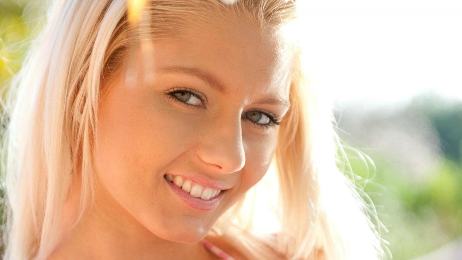 Wallpaper : face, women, model, blonde, long hair