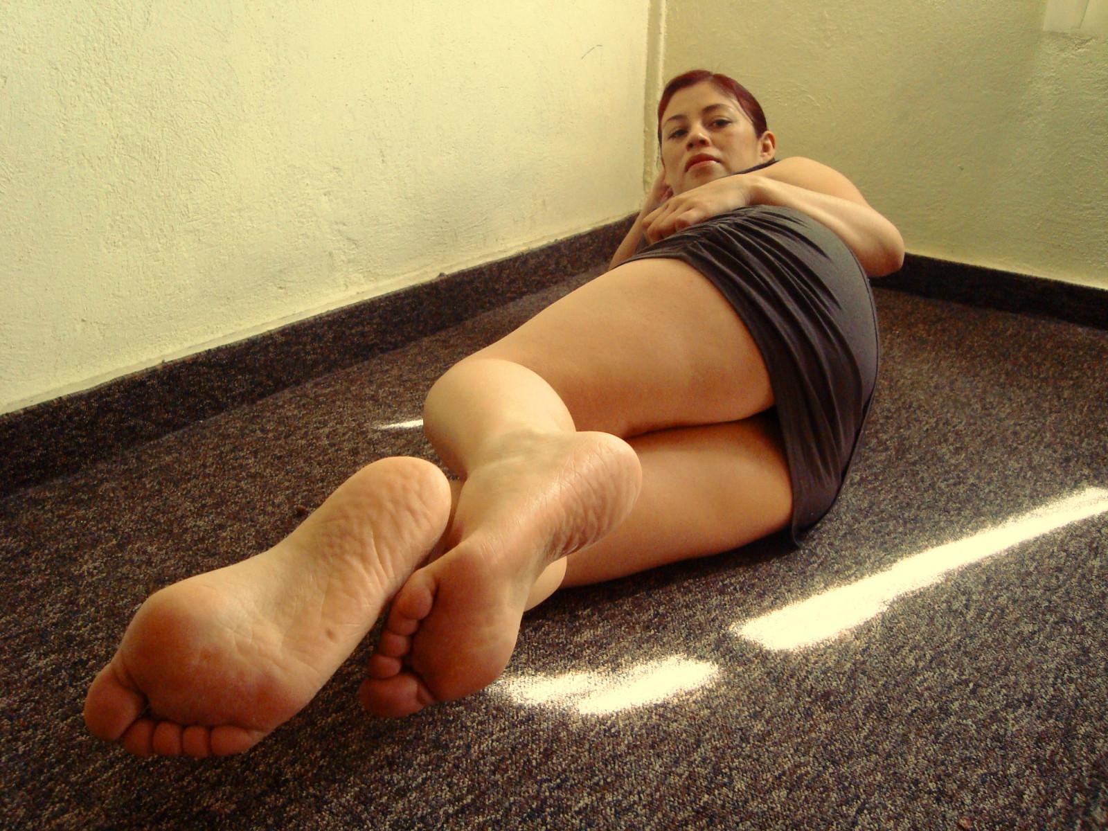 Wallpaper  Sitting, Feet, Clothing, Foot, Sexy, Leg, Sole -9751