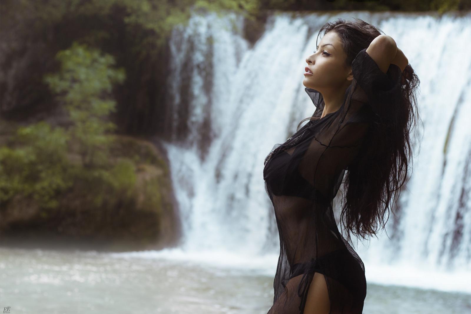 развратная няня девушки пляшут на водопаде каждом теле были