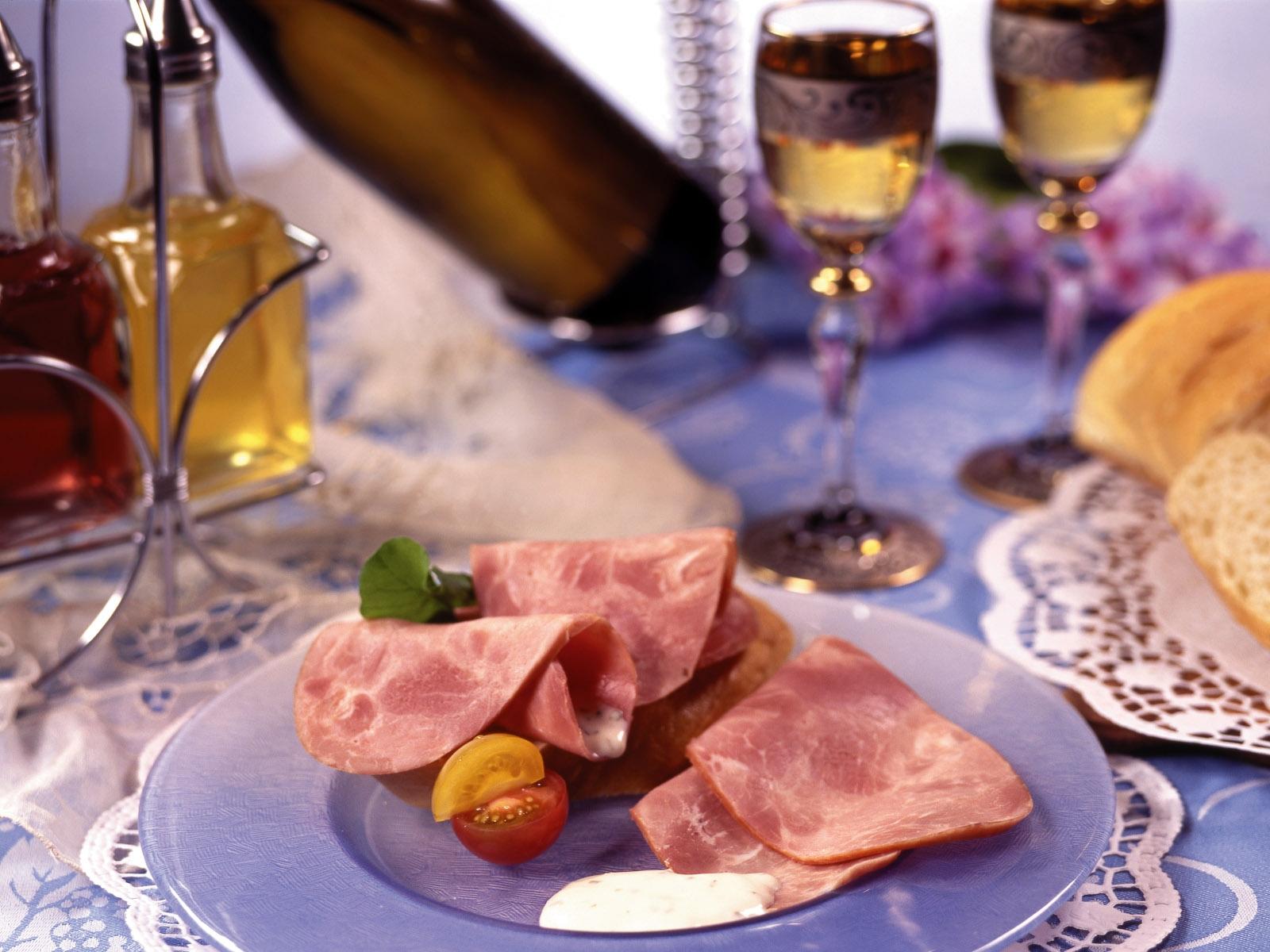 Картинки про, открытки накрытый стол с вином и едой