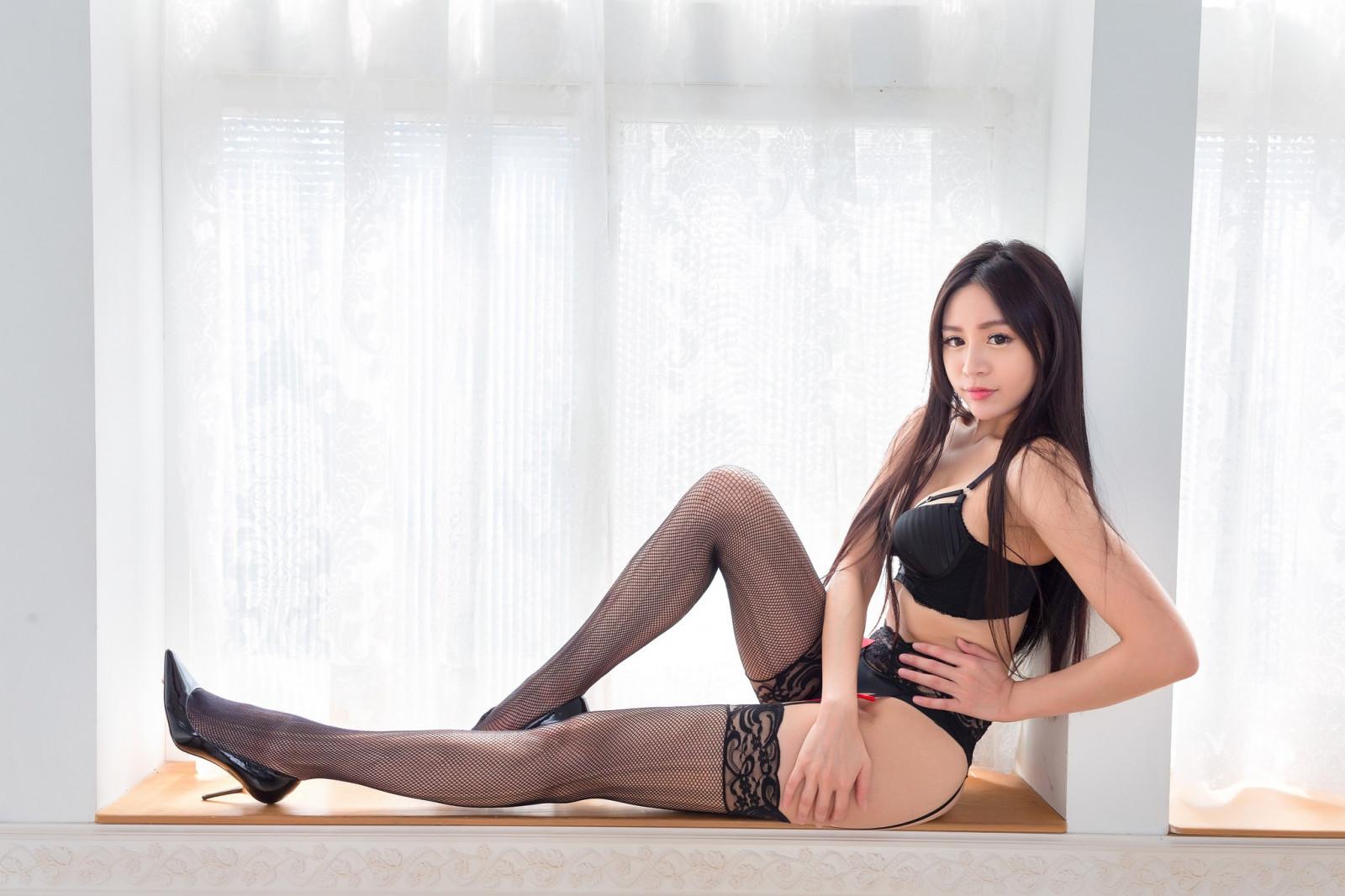 Азиаточки в чулочках фото, дешевые проститутки на василеостровской