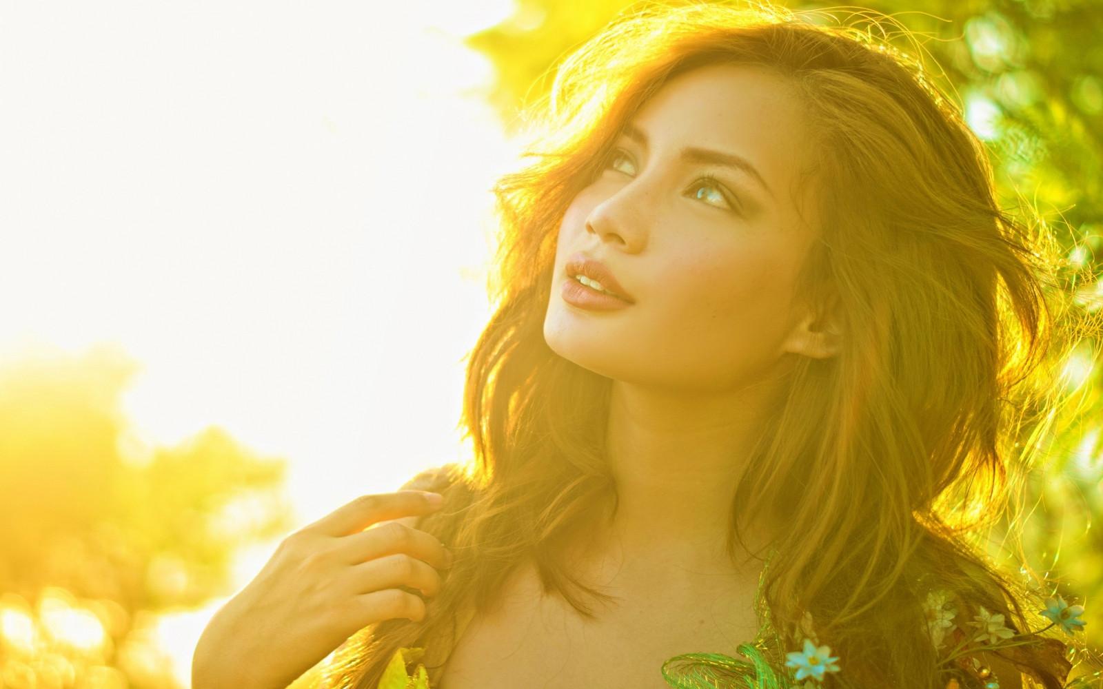 Фото красивых девушек в лучах солнца, Девушка в лучах солнца Girl in the sun Похожие фото 6 фотография