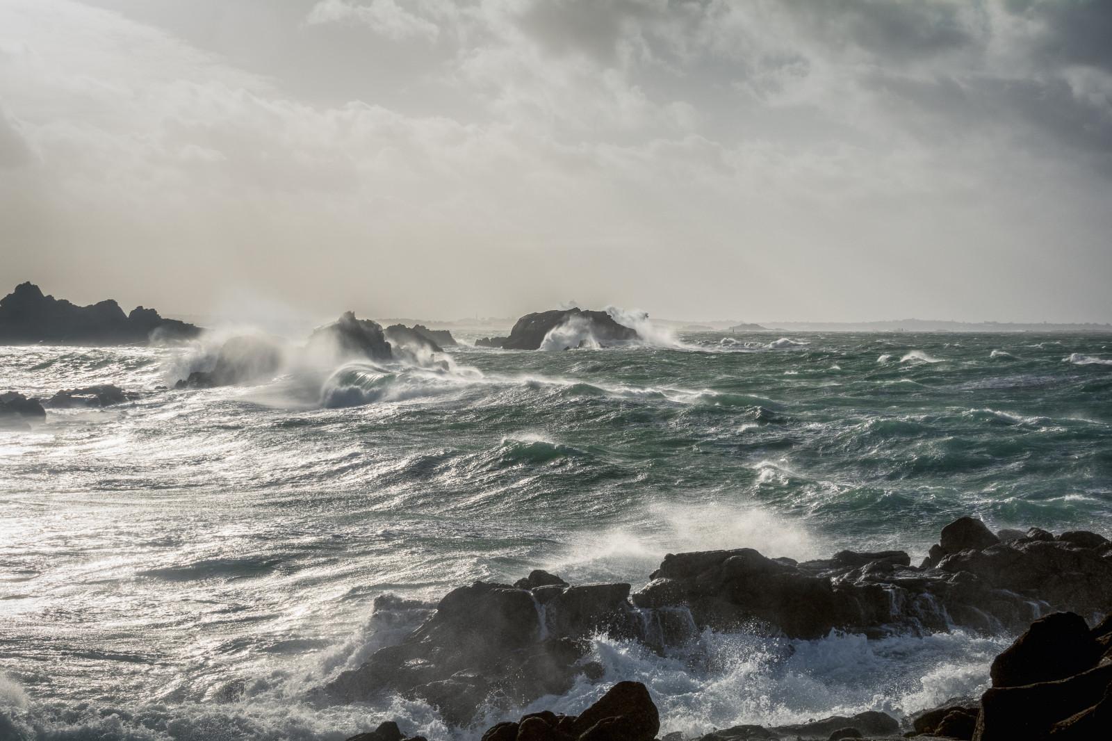 Fond d'écran : Bleu, orage, Tempête, Temps, Houle, vague, Lumiere, lumière, vent, Évent, Rocher ...