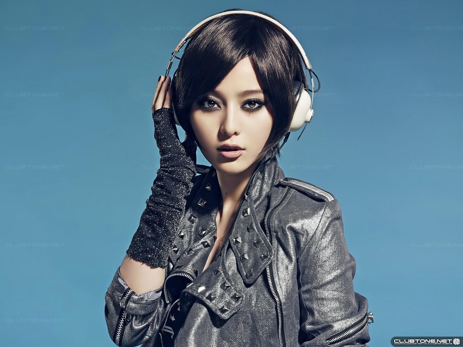 Wallpaper : face, women, model, singer, black hair, fashion