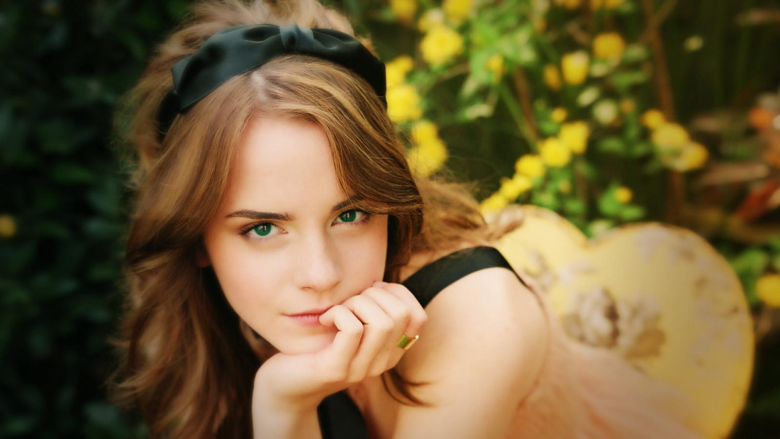 young-beauties-video