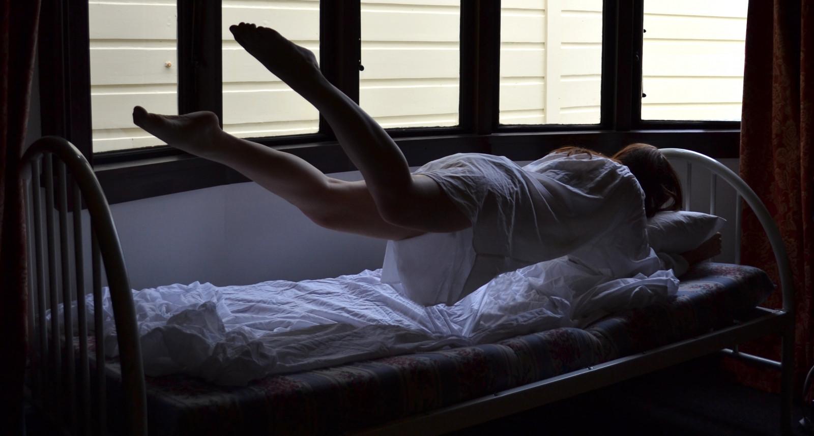 Черная комната в сновидении подчеркивает, что в вашей душе накопилось много злости, и это главная причина постоянных ссор с близкими.