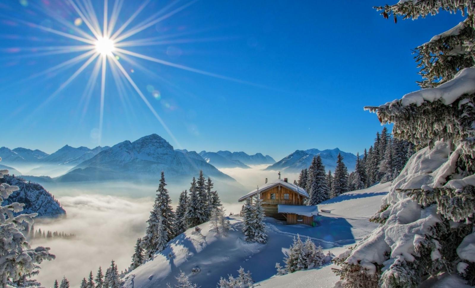 Fond d'écran : paysage, forêt, la nature, neige, hiver, bleu, Pic enneigé, rayons de soleil ...