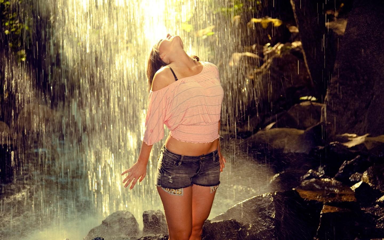 Фото на аву для девушек дождь