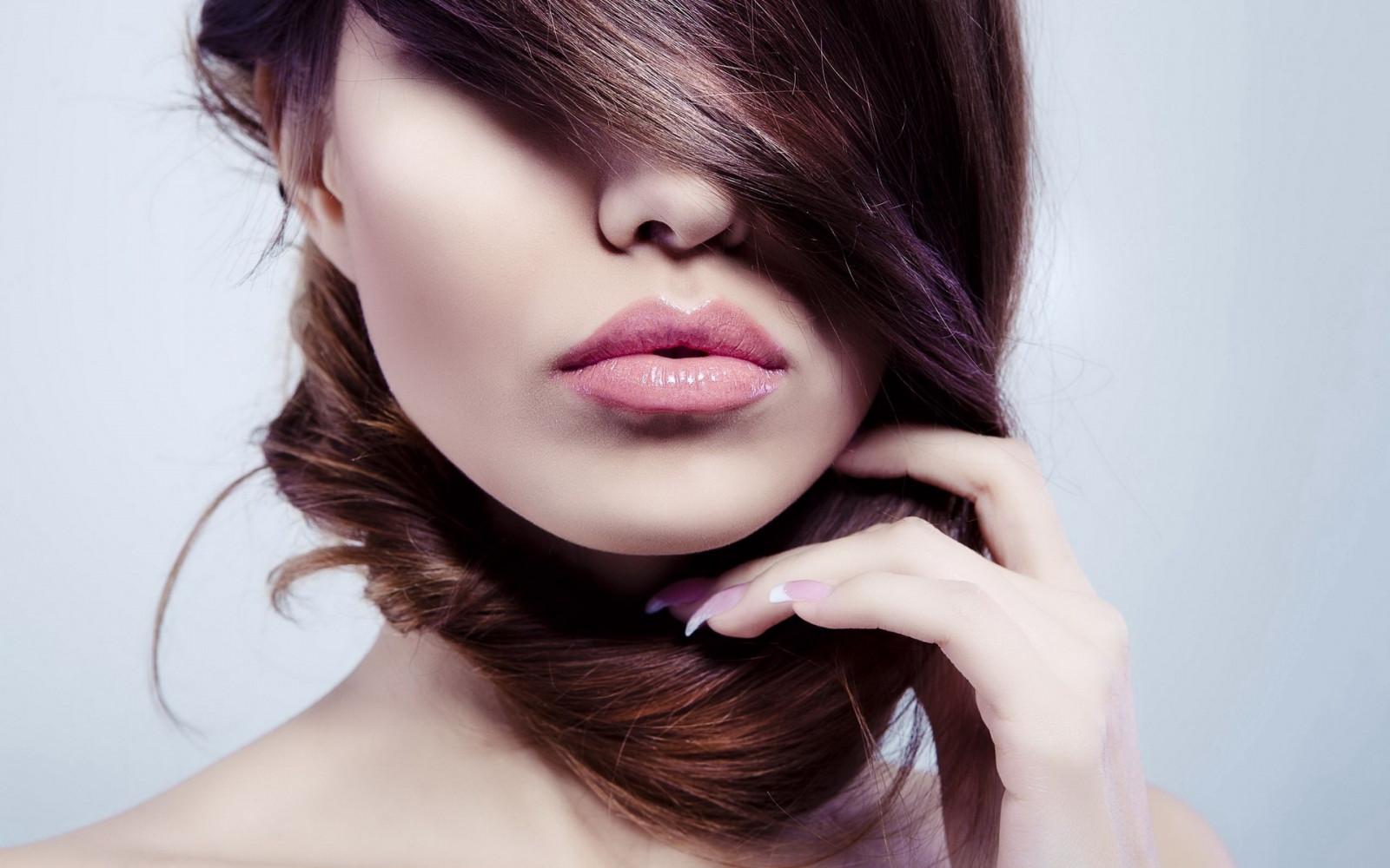 Tapety Kobiety Model Portret Proste Tło Długie Włosy