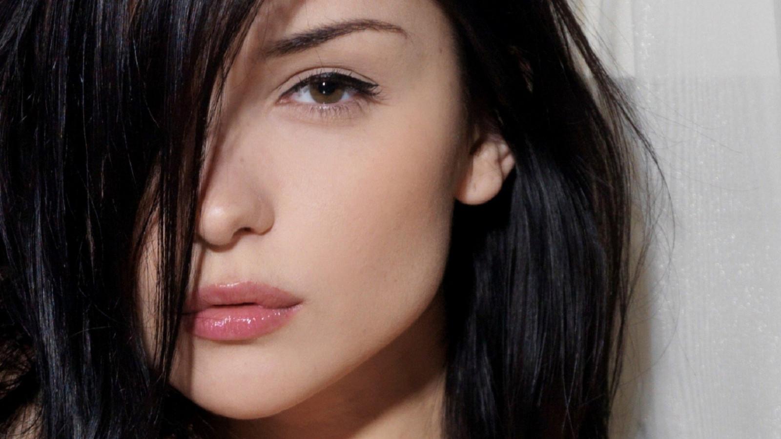 Katie_Fey_women_brunette_model_face_closeup_eyes_lips-108042.jpg!d
