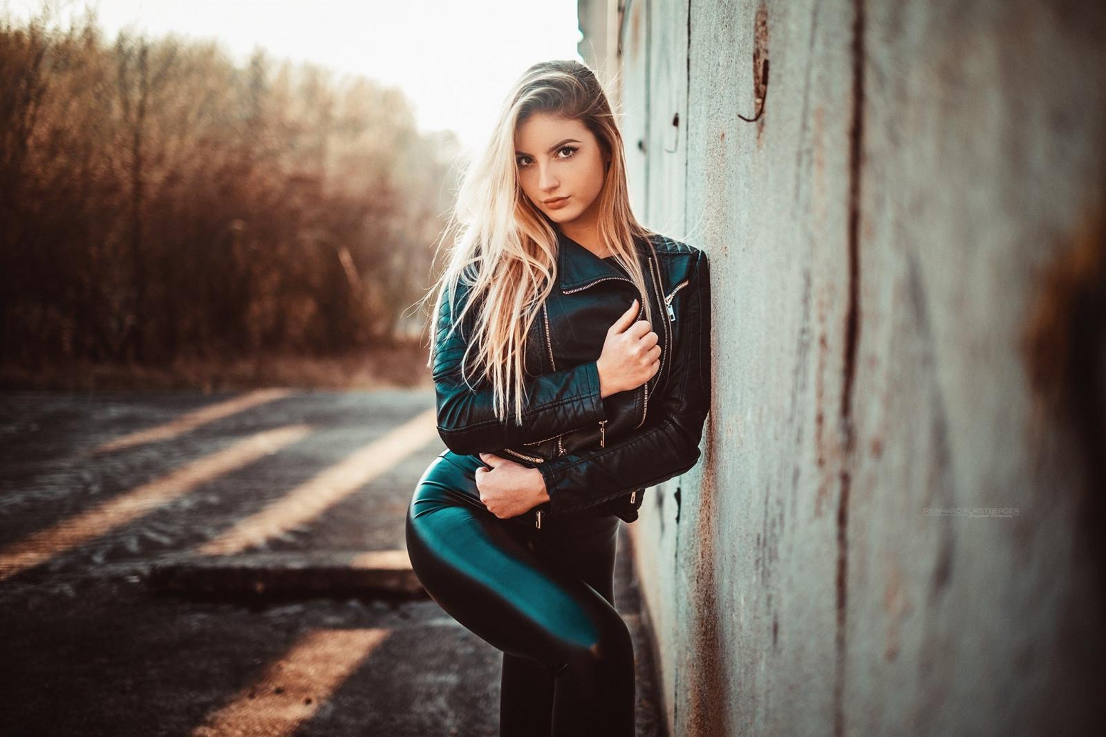 Wallpaper  Sunlight, Women Outdoors, Model, Blonde, Long Hair, Black Clothing, Winter -4208