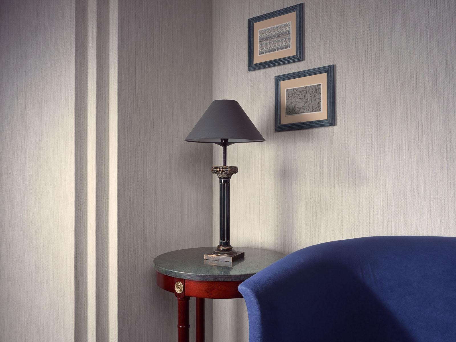 Sfondi : camera parete tavolo blu lampada interior design
