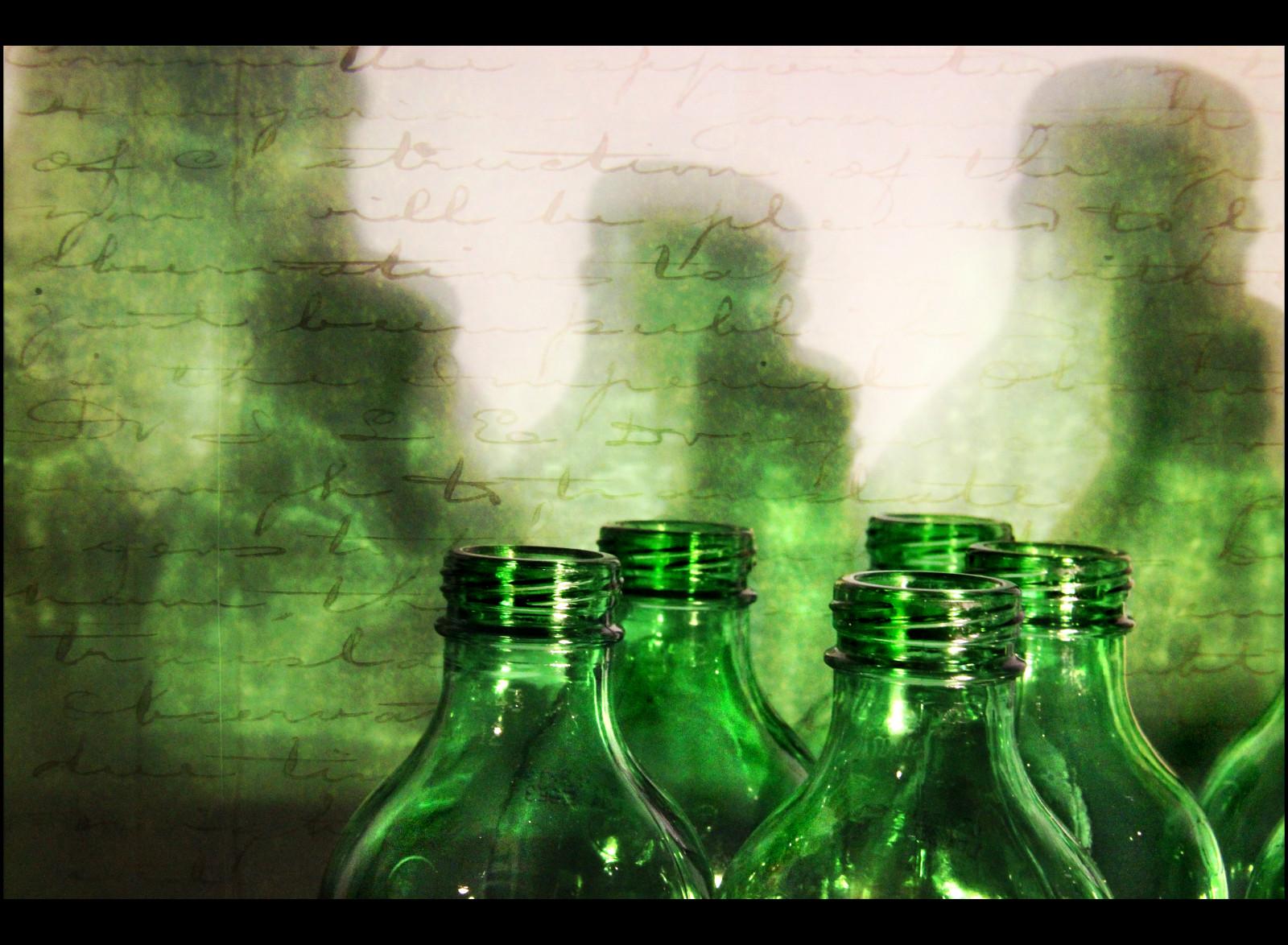 Sfondi Bottiglie Acqua Erba Testo Verde Bicchiere Struttura