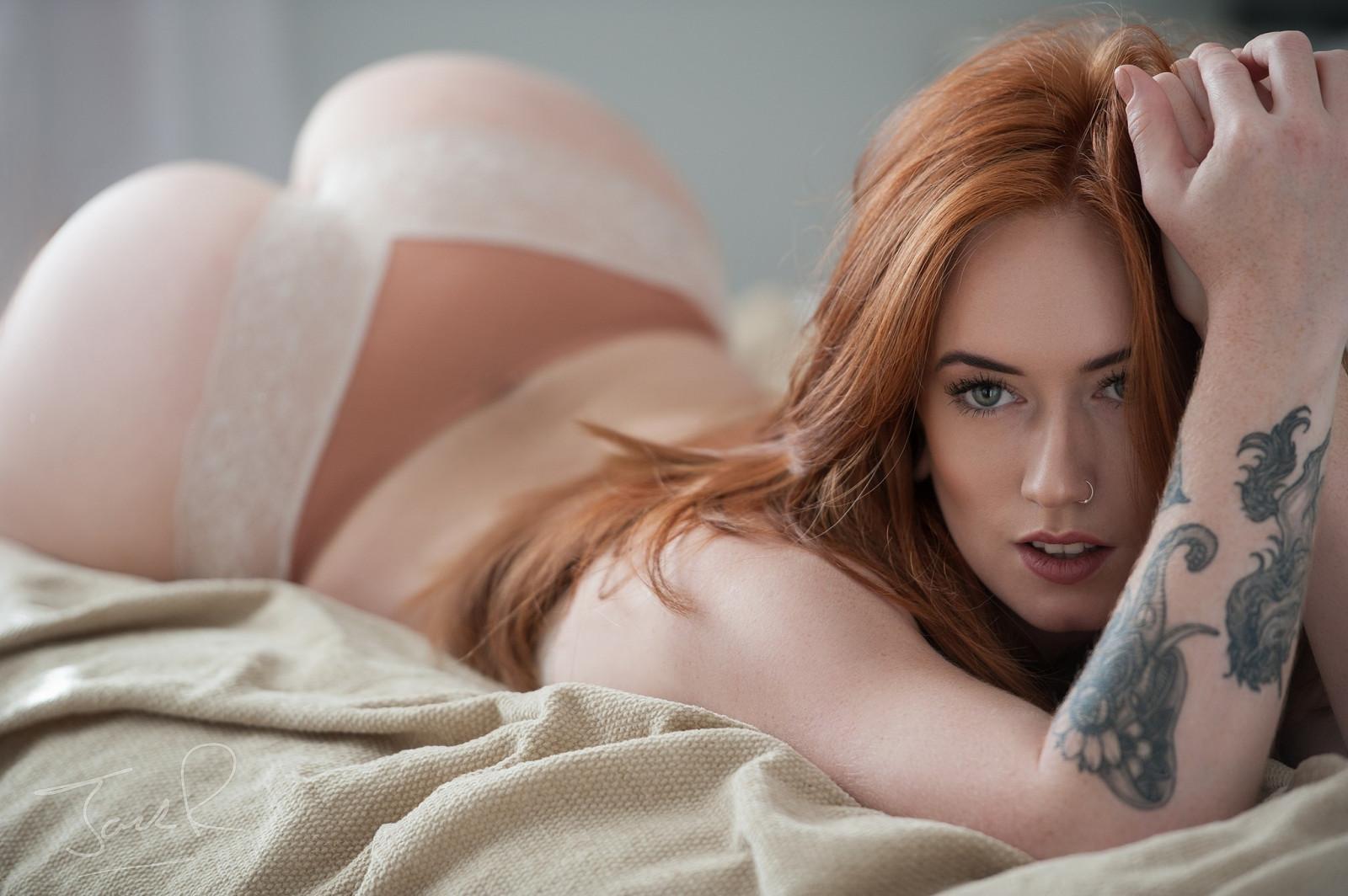 Redhead thongs