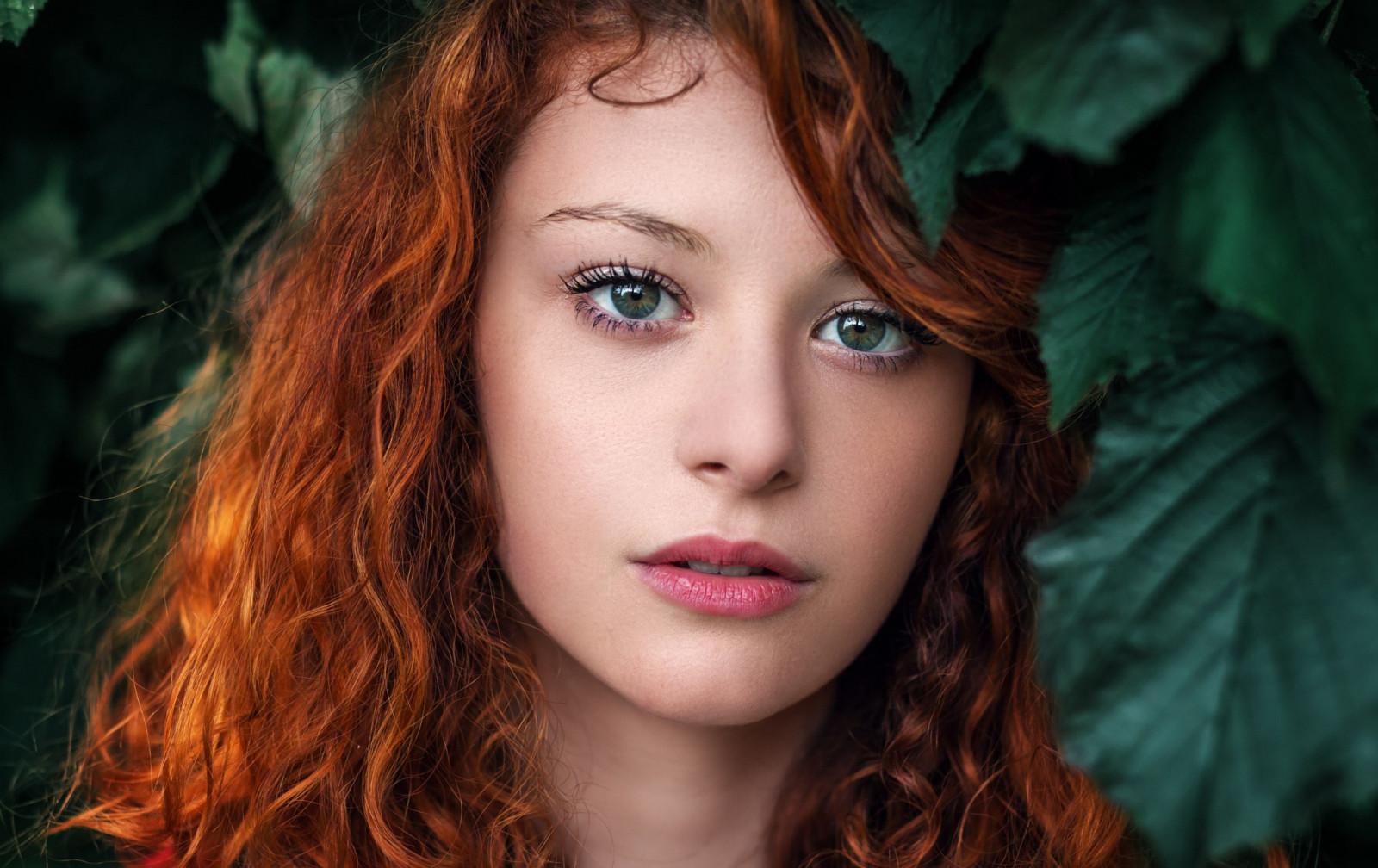 Haare Im Gesicht Frau