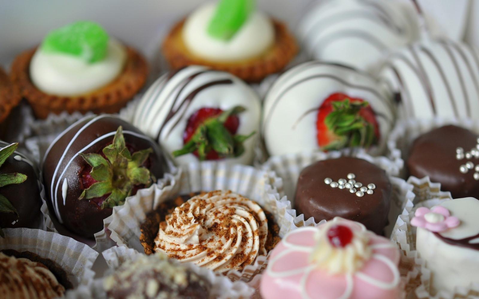 Картинки с тортиками и конфетами