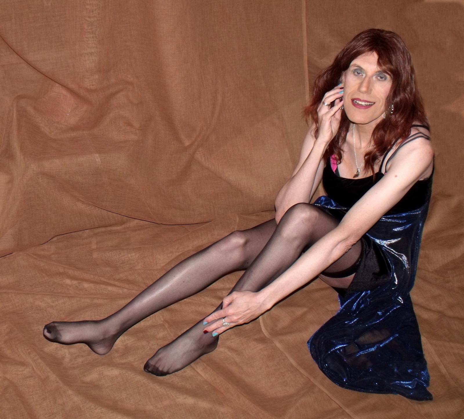 Wallpaper : long hair, sitting, pantyhose, tights, TV