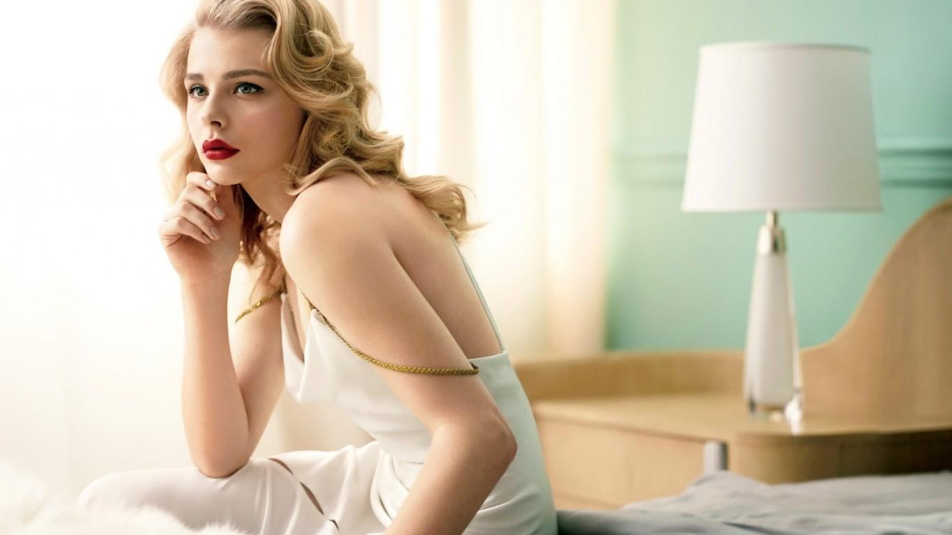 Hintergrundbilder : Modell-, lange Haare, Kleid, Haar, Unterwäsche ...