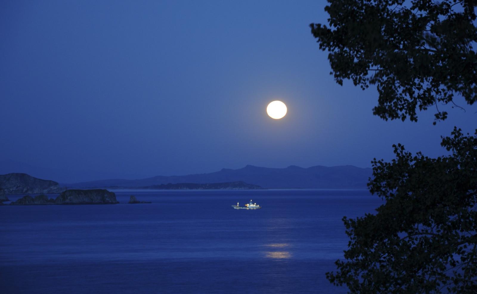 Картинки вечер море и луна