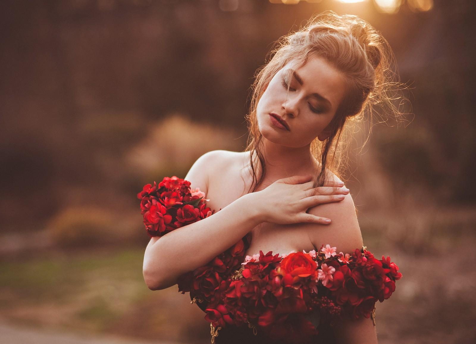 Девушки цветы картинки