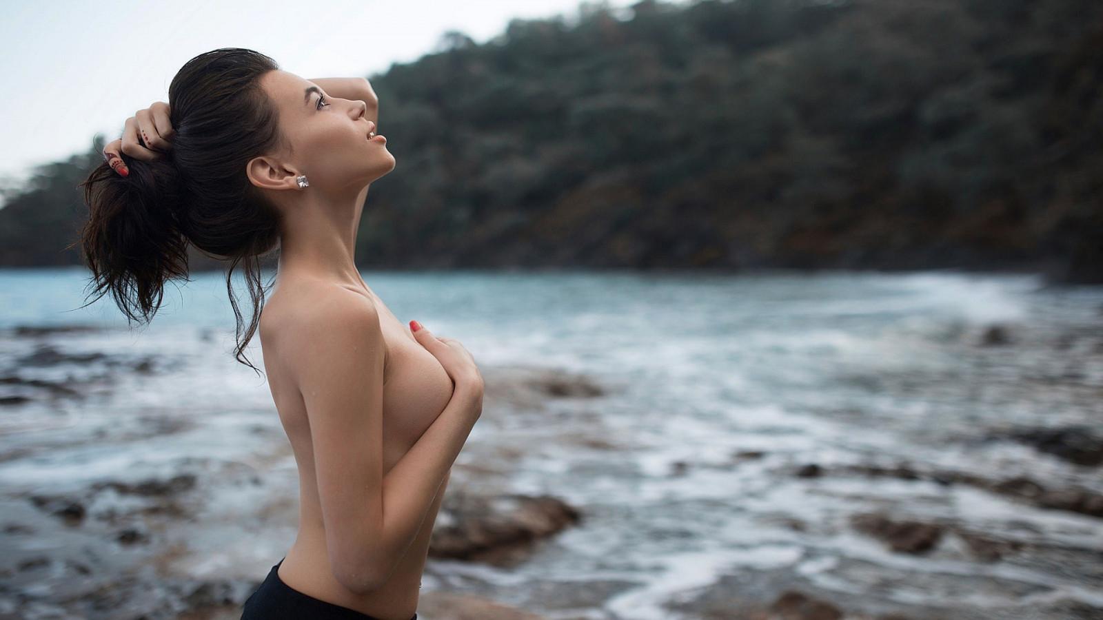 fotki-golih-bryunetok