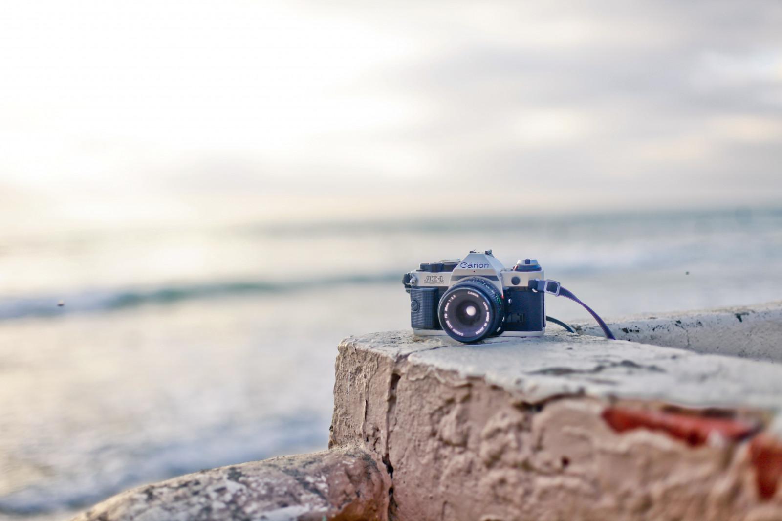 Скрытая камера на пляже в раздевалке приколы рады приветствовать