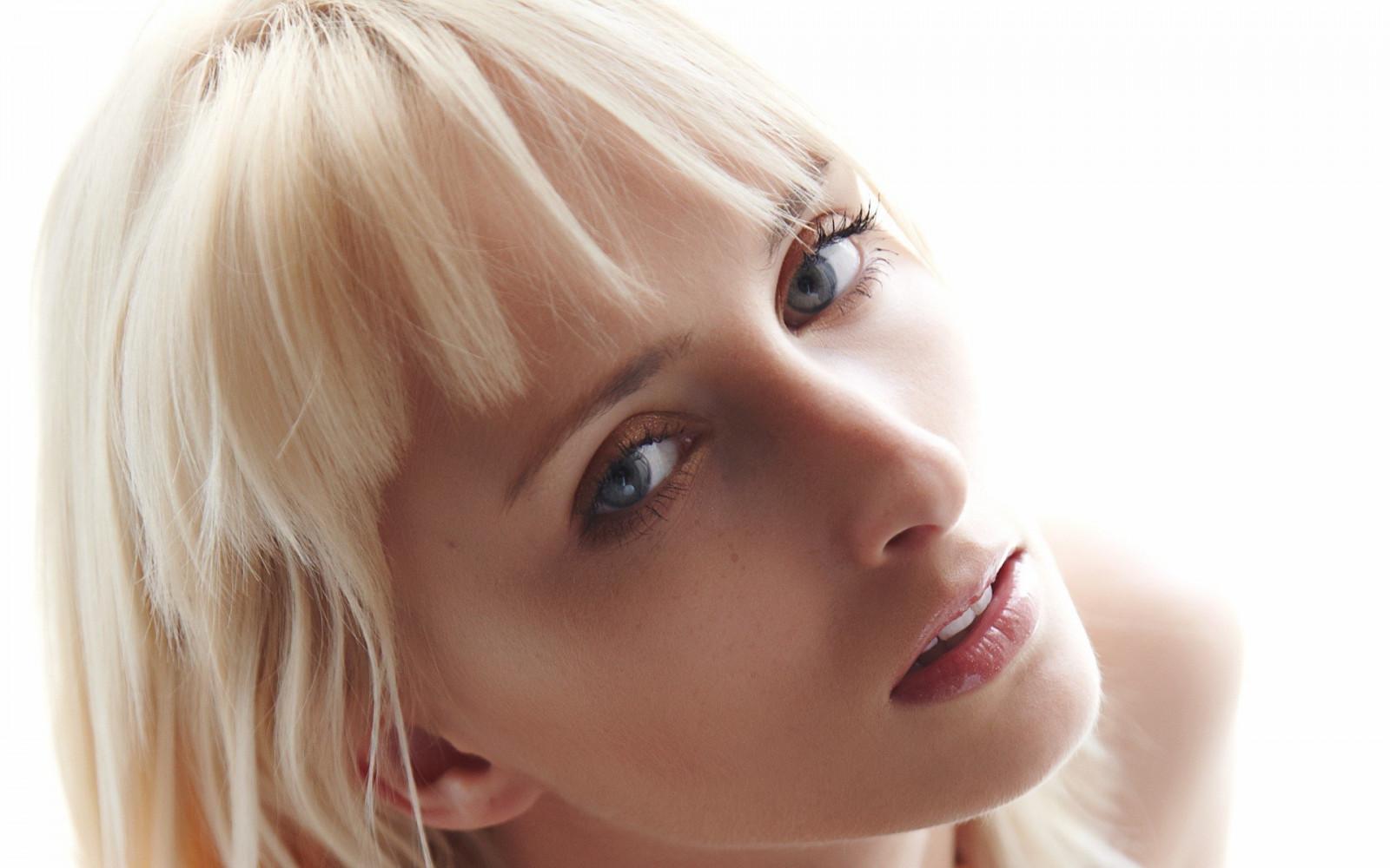 Wallpaper Face Model Blonde Long Hair Blue Eyes: Wallpaper : Face, Women, Model, Long Hair, Blue Eyes