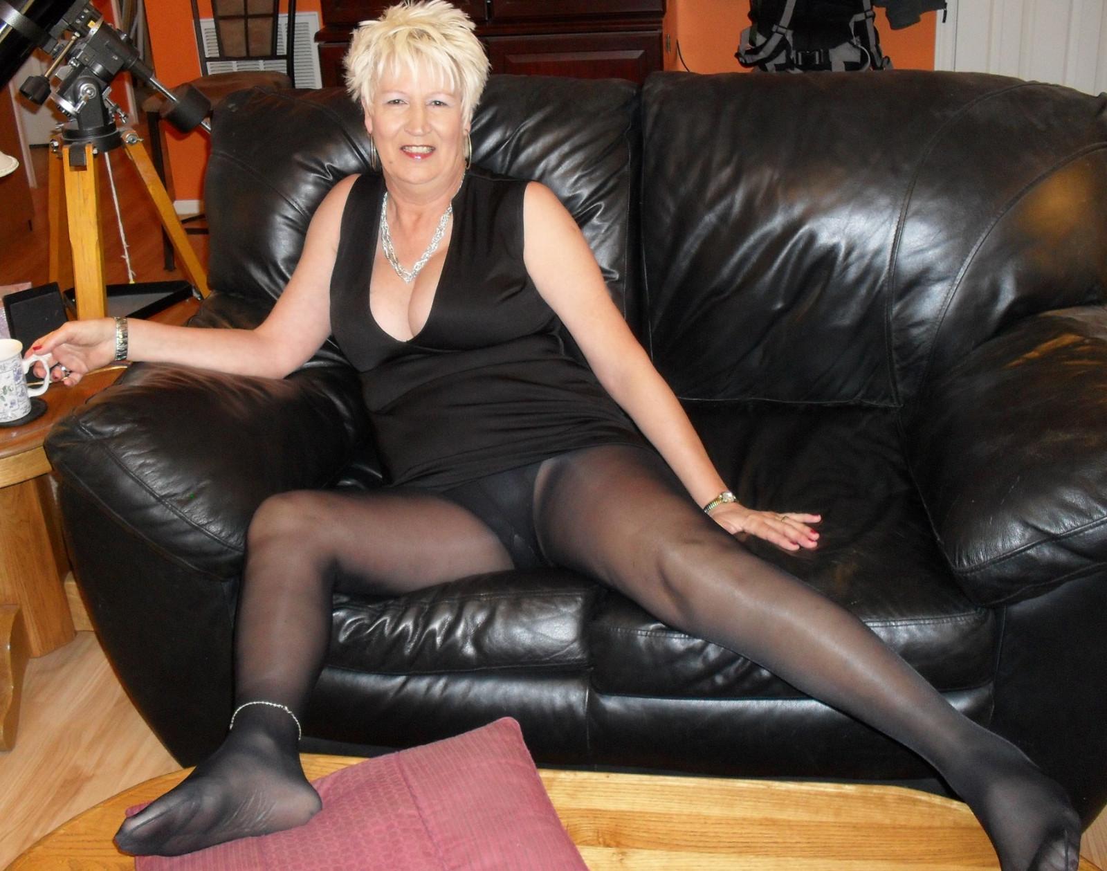 Порно фото зрелых накрашенных баб 68