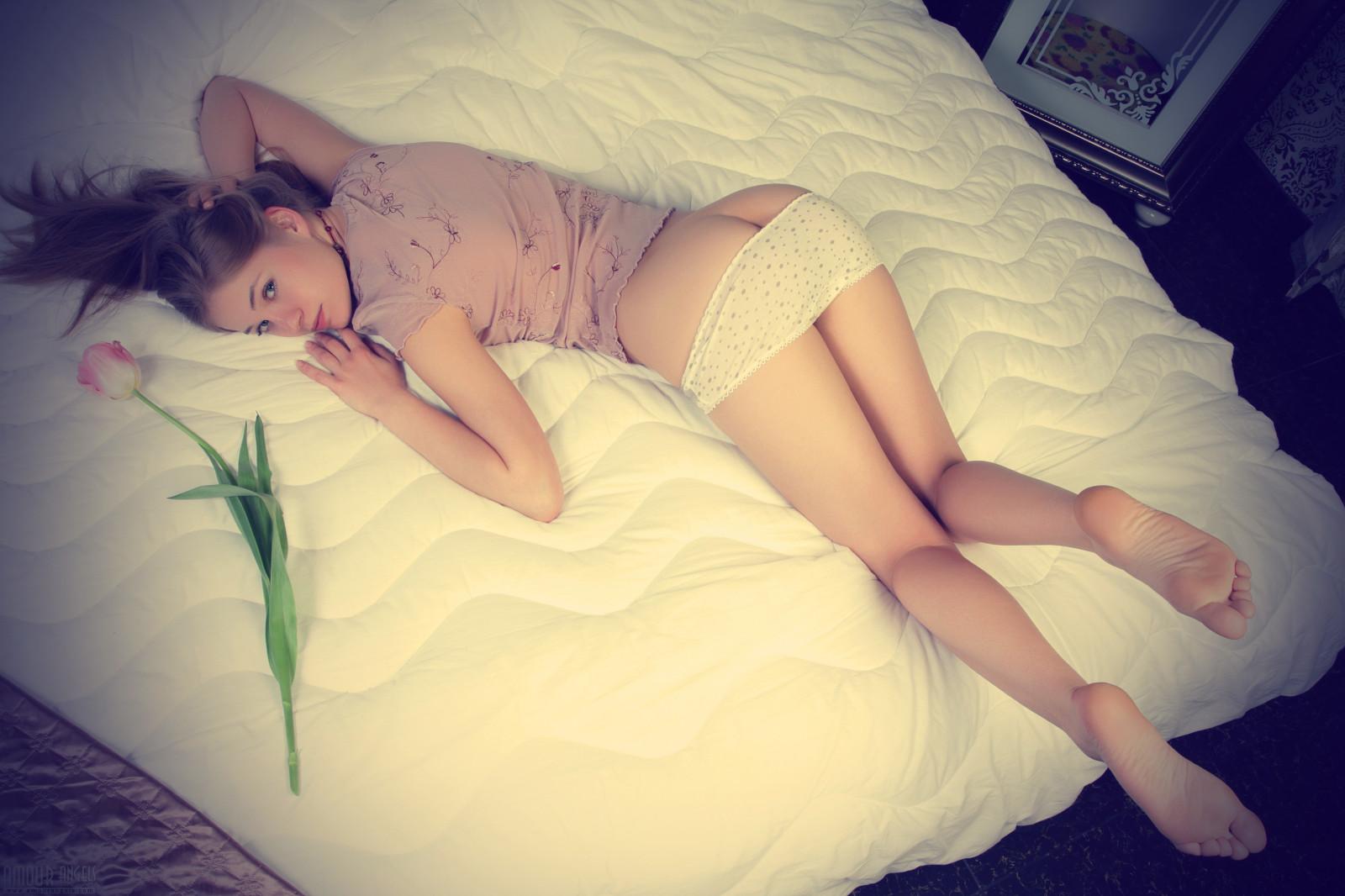 Claudia schiffer topless