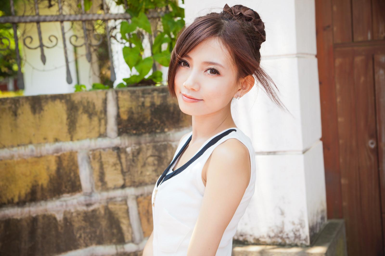 Фото девчонки китаянки москвы дешевые смотреть куни девушкам