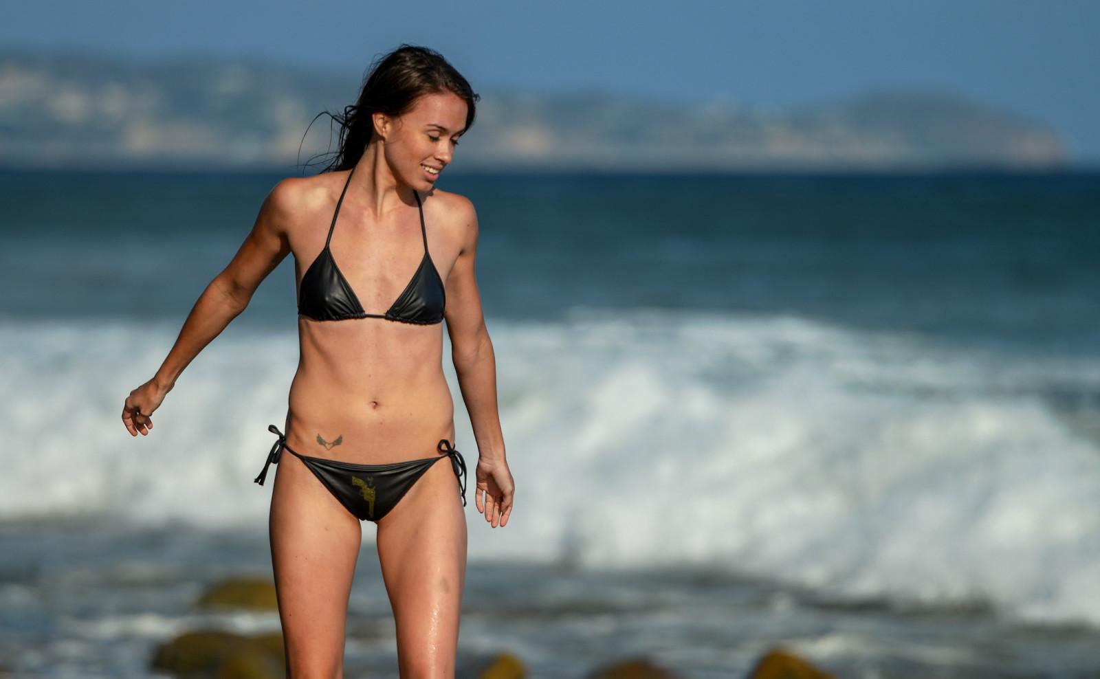 Smart picture of california girls boobie