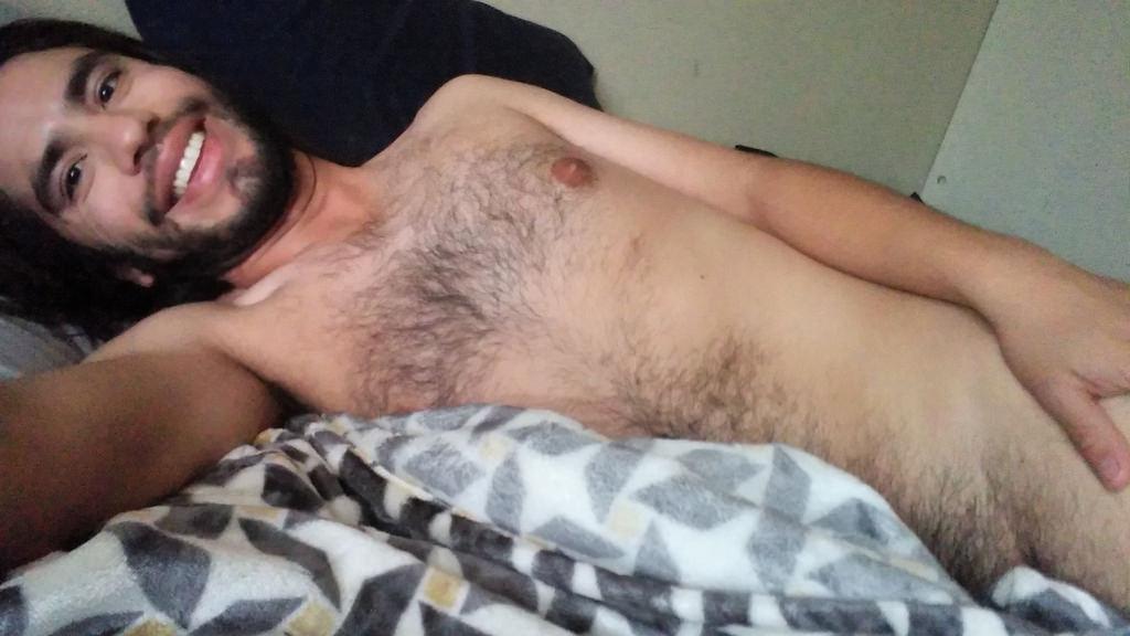 ... cuello, cuerpo humano, Interacción, vello facial, desaliñado, en cama,  Hombredesnudo, Hombre desnudo, Gaylatino, hombre gay, Nudista, Enlacama,  hombre ...