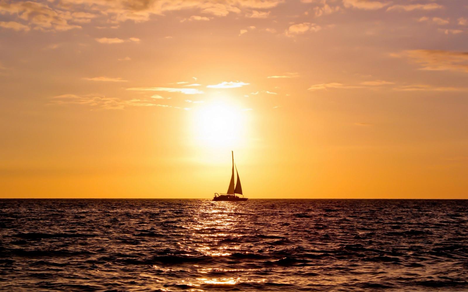 luz de sol velero puesta de sol mar agua apuntalar cielo fotografía amanecer calma noche Mañana costa Sol viento horizonte oscuridad navegación nube amanecer Oceano ola vela 2560x1600 px resplandor crepuscular Onda de viento