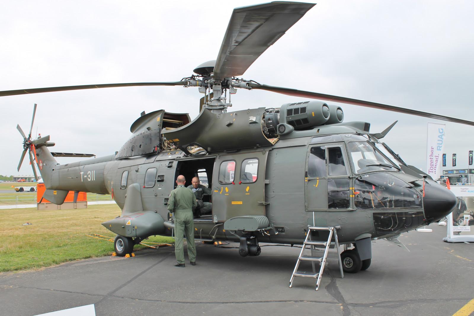 ヘリコプター, ヘリコプターローター, 航空機, 空軍, 輸送モード, ロータークラフト, 車両, 軍用ヘリコプター, 航空宇宙工学, 軍用機, ブラックホーク, 航空