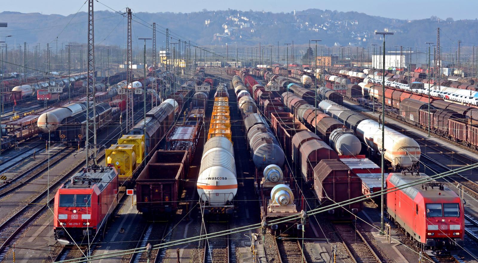 Фото поезд в большом количестве