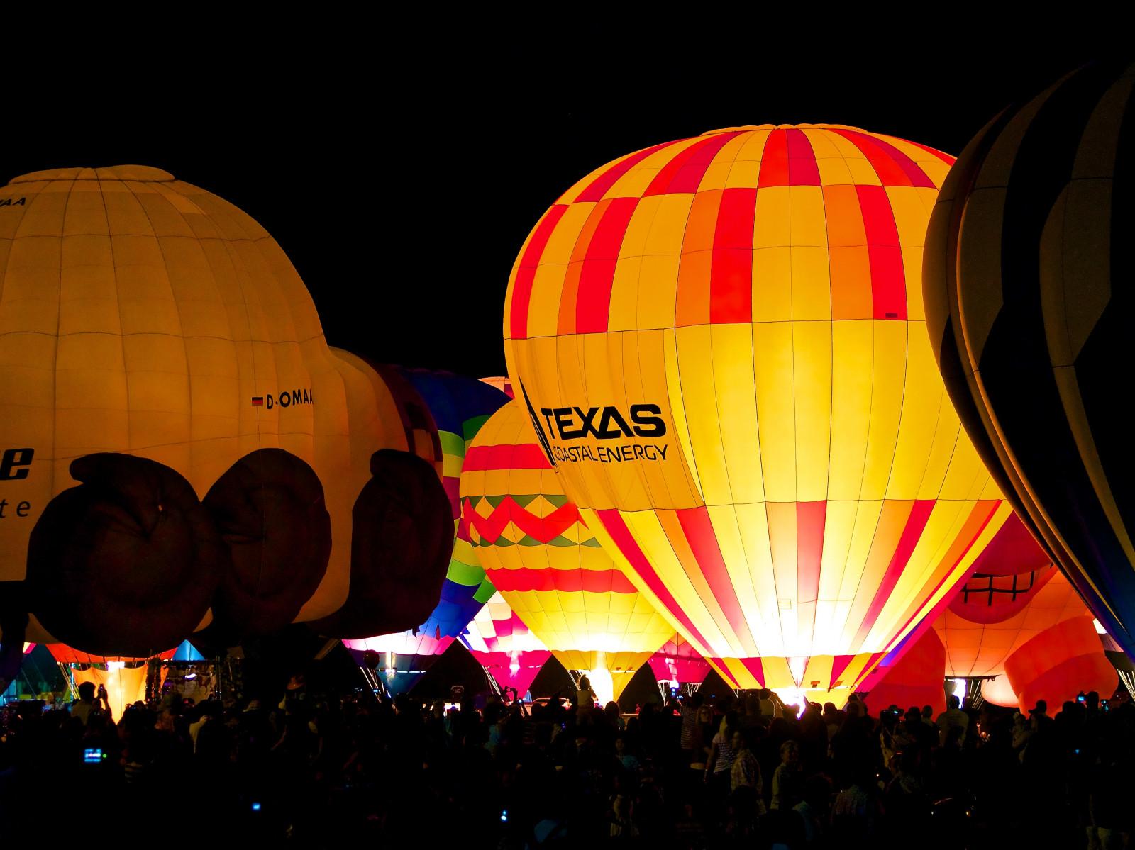 Ballonnen Met Licht : Hintergrundbilder : heißluftballon fahren nacht ballon licht