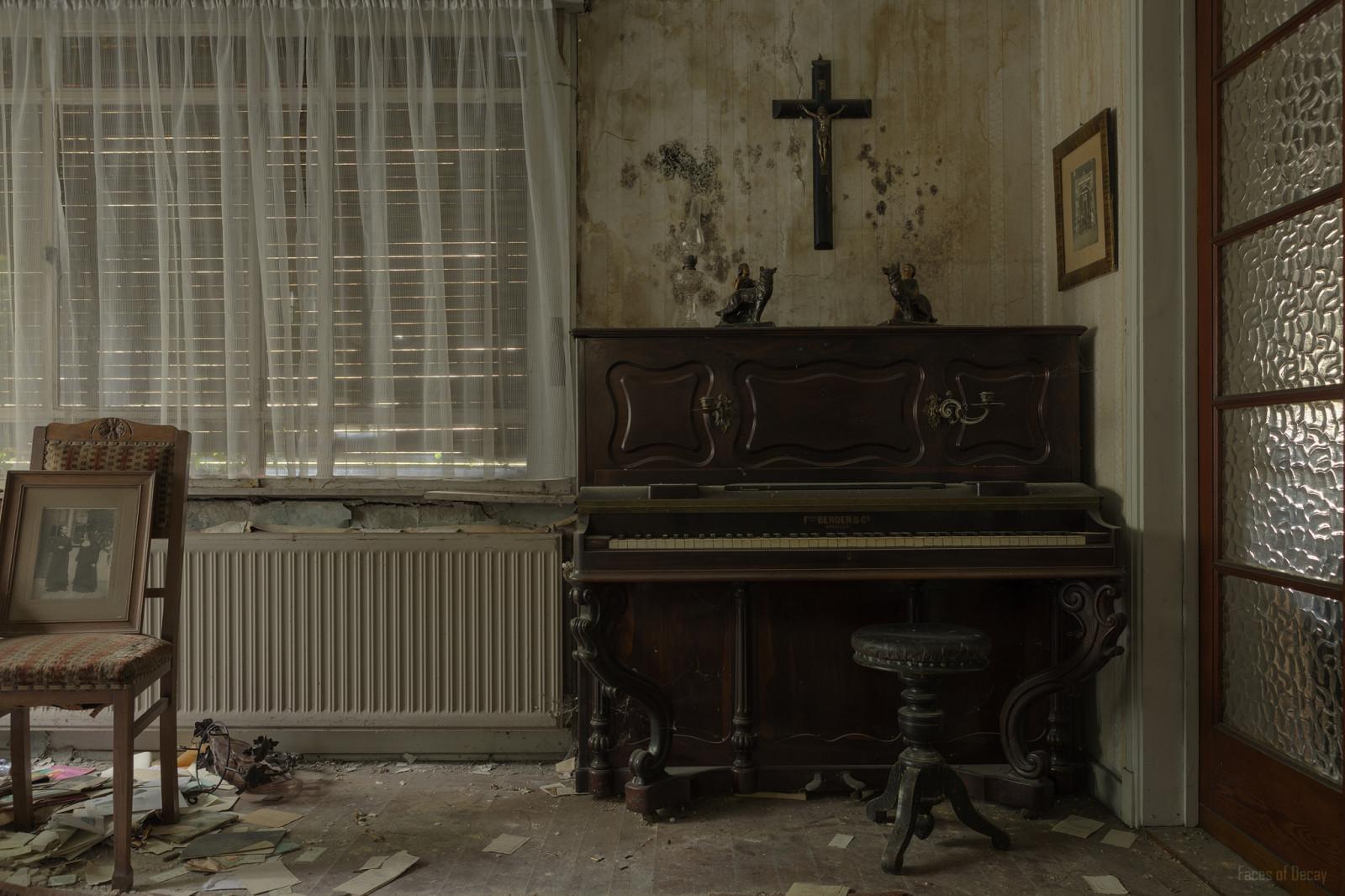 Fondos De Pantalla Ventana Ruina Abandonado Piano Dise O De  # Muebles Podridos