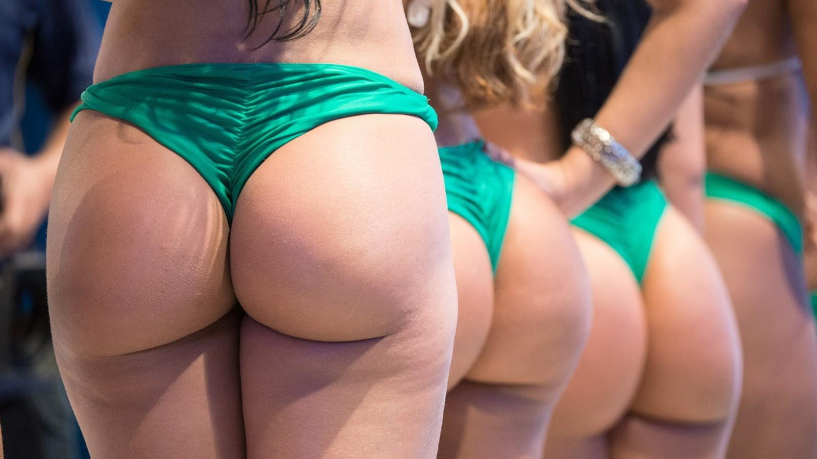 seks-tri-brazilskie-popki-russkoe-porno-v-kozhanom-plate